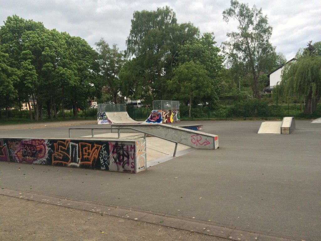 Stadtpark (Allee) - Korbach Youth